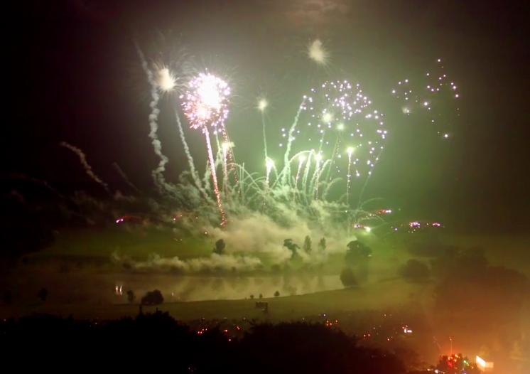 atom-fireworks4